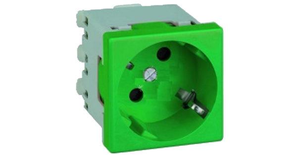 Розетка 2к+З с защитными шторками (45х45) – зелёная 1